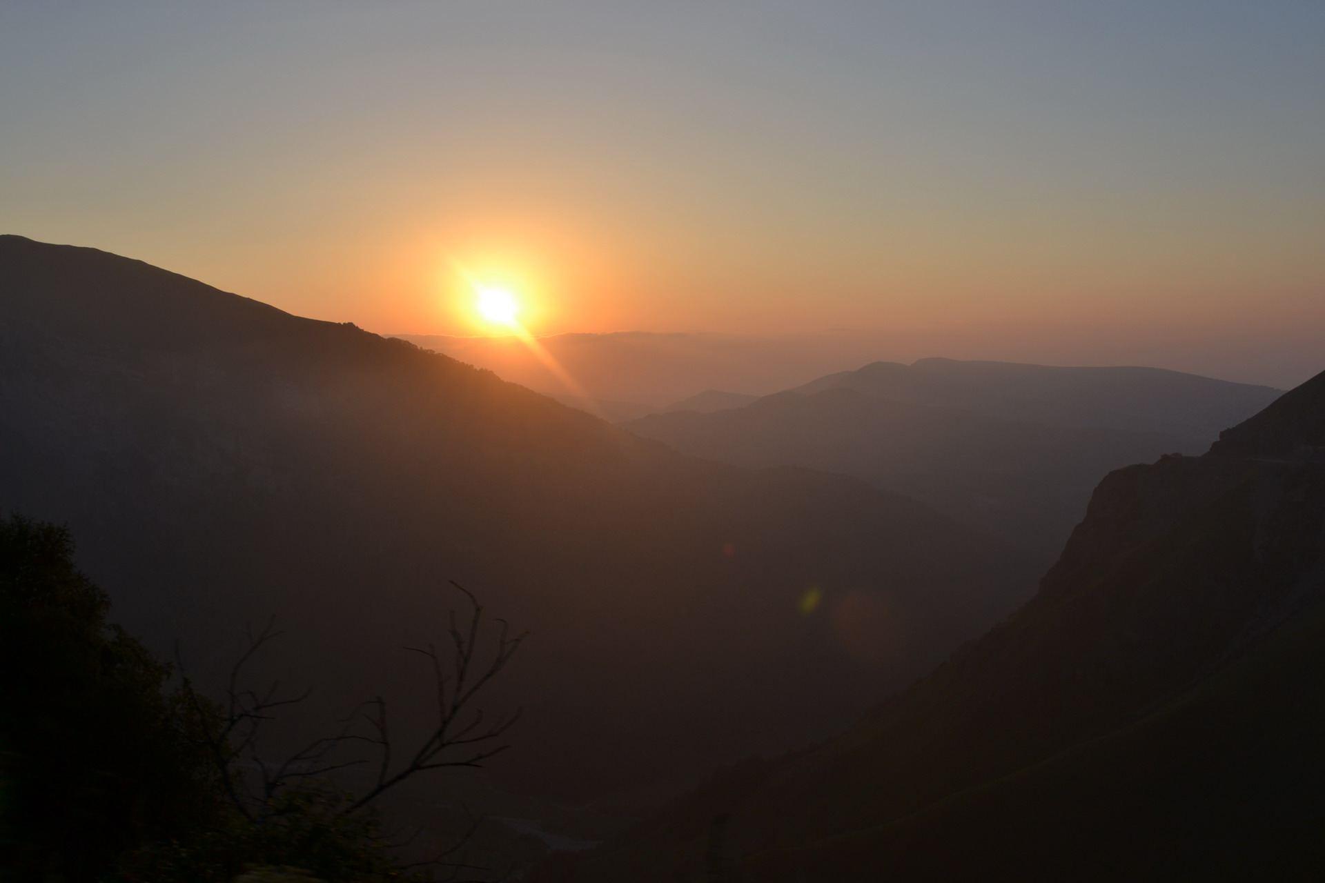закат в горах, чечня