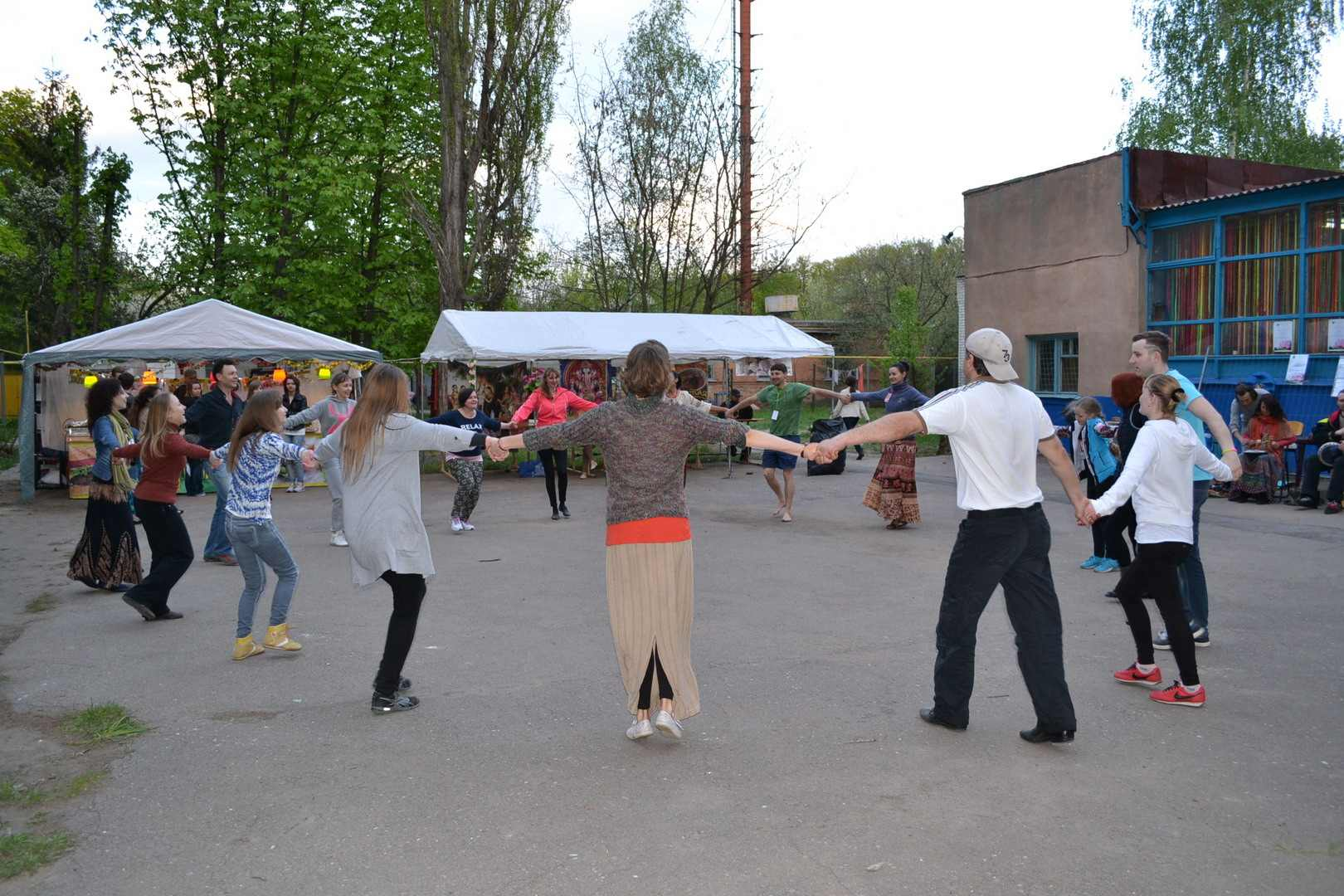 спиритическое действие или танцы под народную музыку. фестиваль тавале