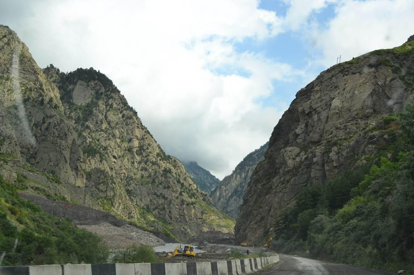 грузия, асетия, горный перевал который завалило