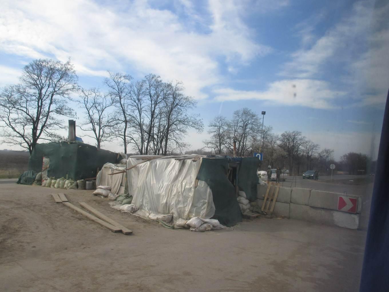 солдаты и баррикады. военный блок пост. материал: Автостоп. Украина во время АТО