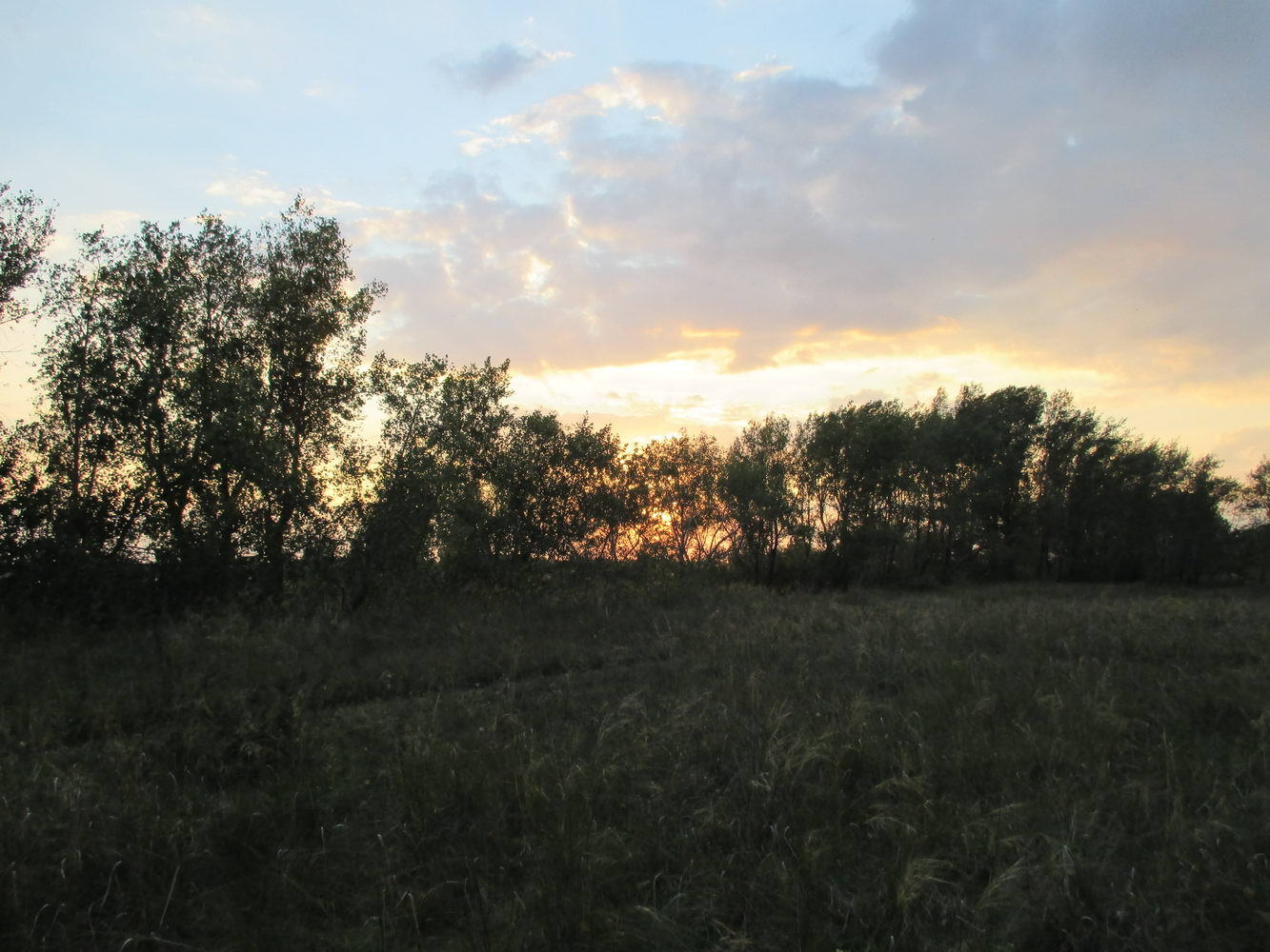 красивый закат, на фото не видно. природа. автостоп через сибирь
