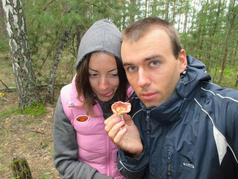 мухоморы в лесу. путешествие автостопом через сибирь, природа