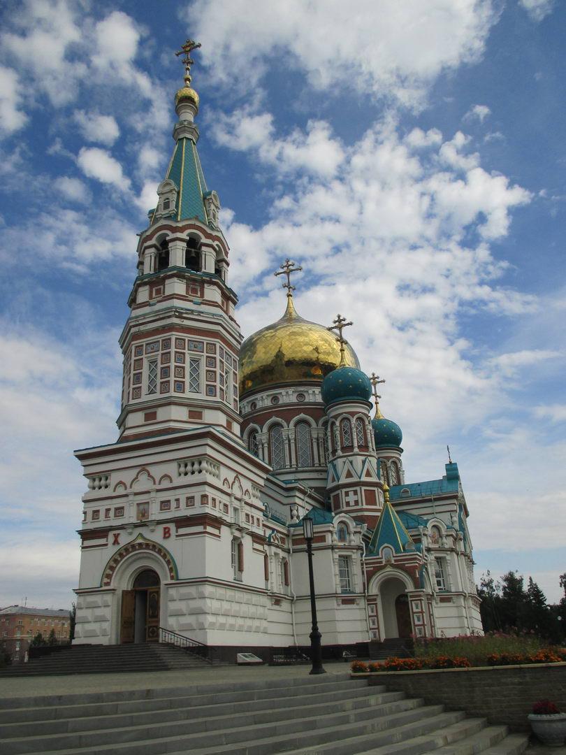 красивая церковь. достопримечательности в омске