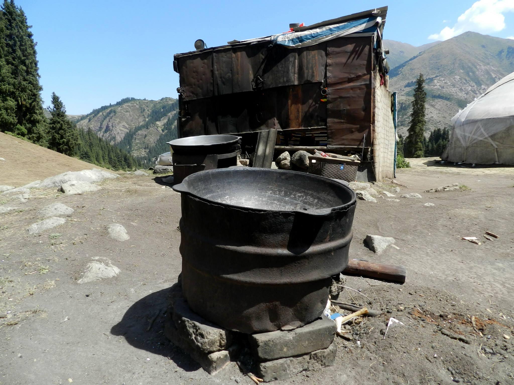 казан для плова. джалал-абад. ферганская долина. предгорье тянь-шаня. путешествия кати. киргизия