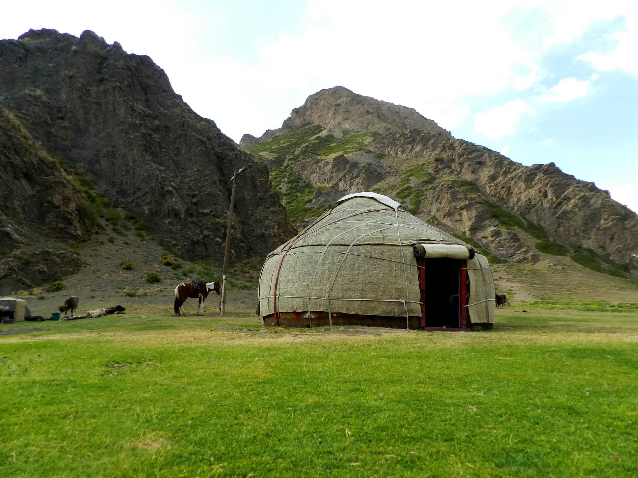 юрта, нарын. путешествия кати. киргизия