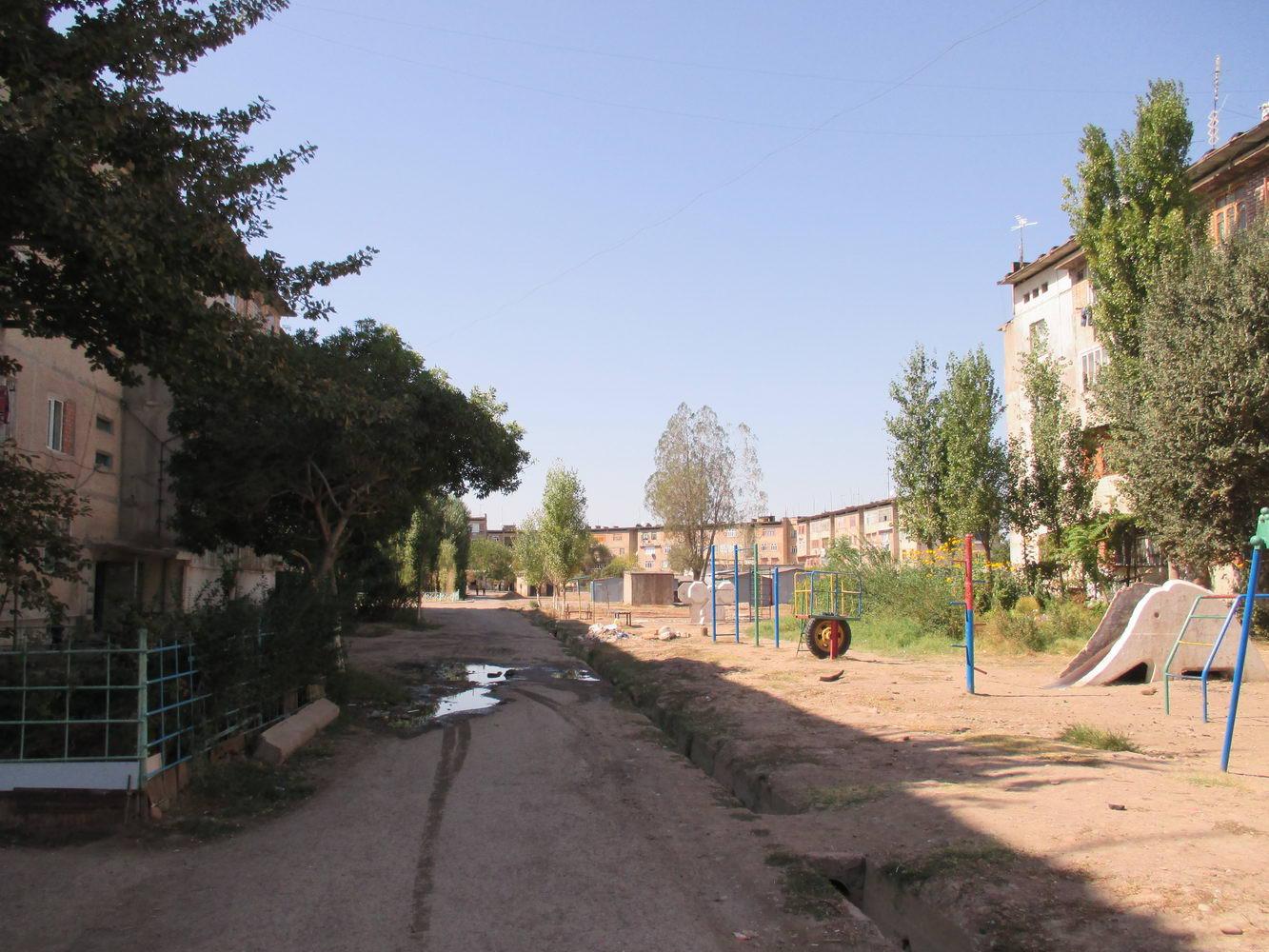 двор. алмалык узбекистан