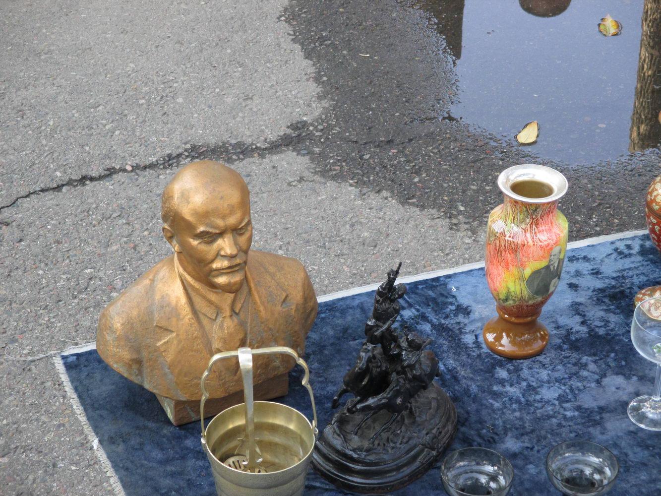 ленин на продажу. базар узбекистан ташкент