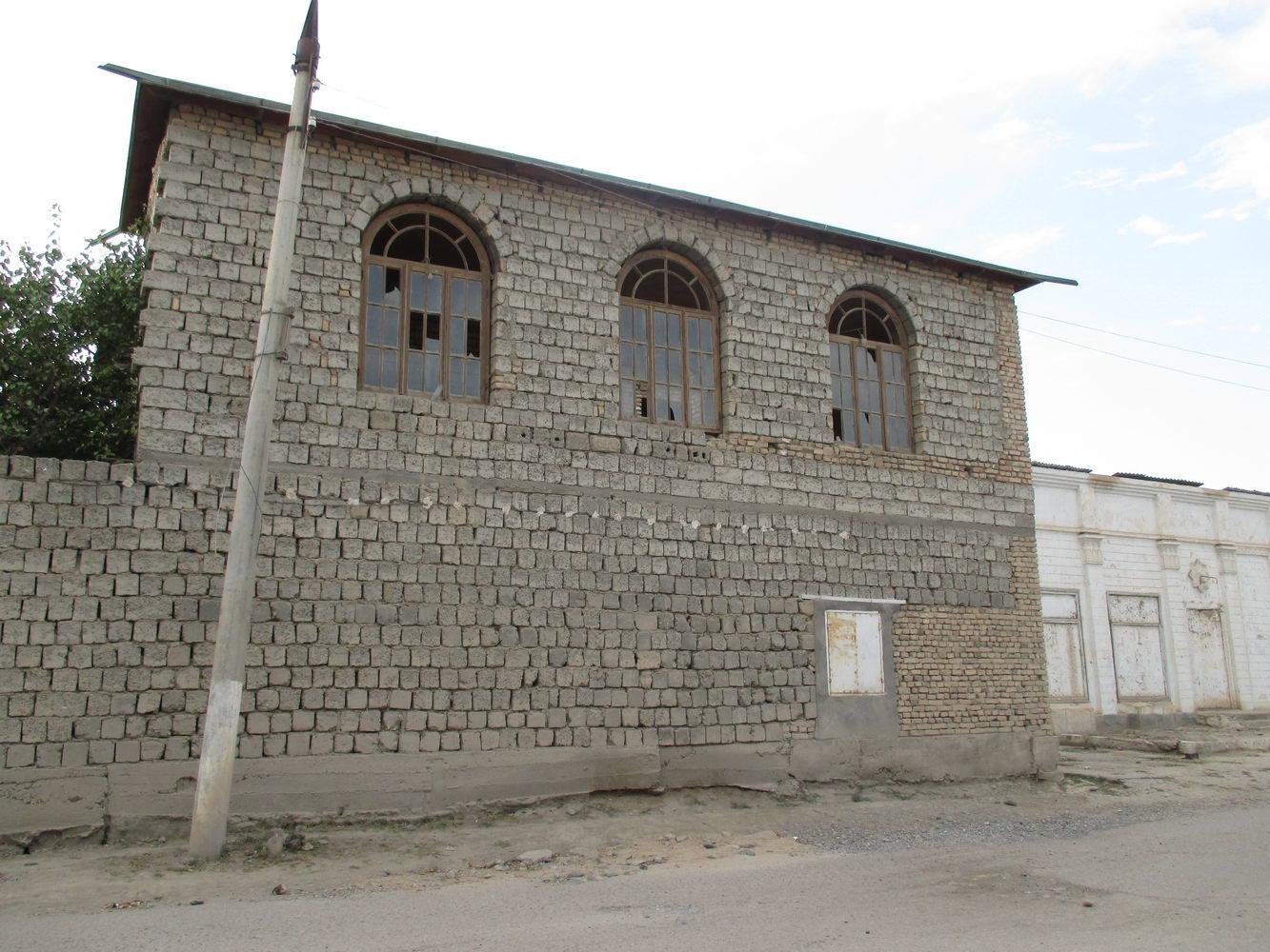 дома и улицы. не туристический самарканд. узбекистан