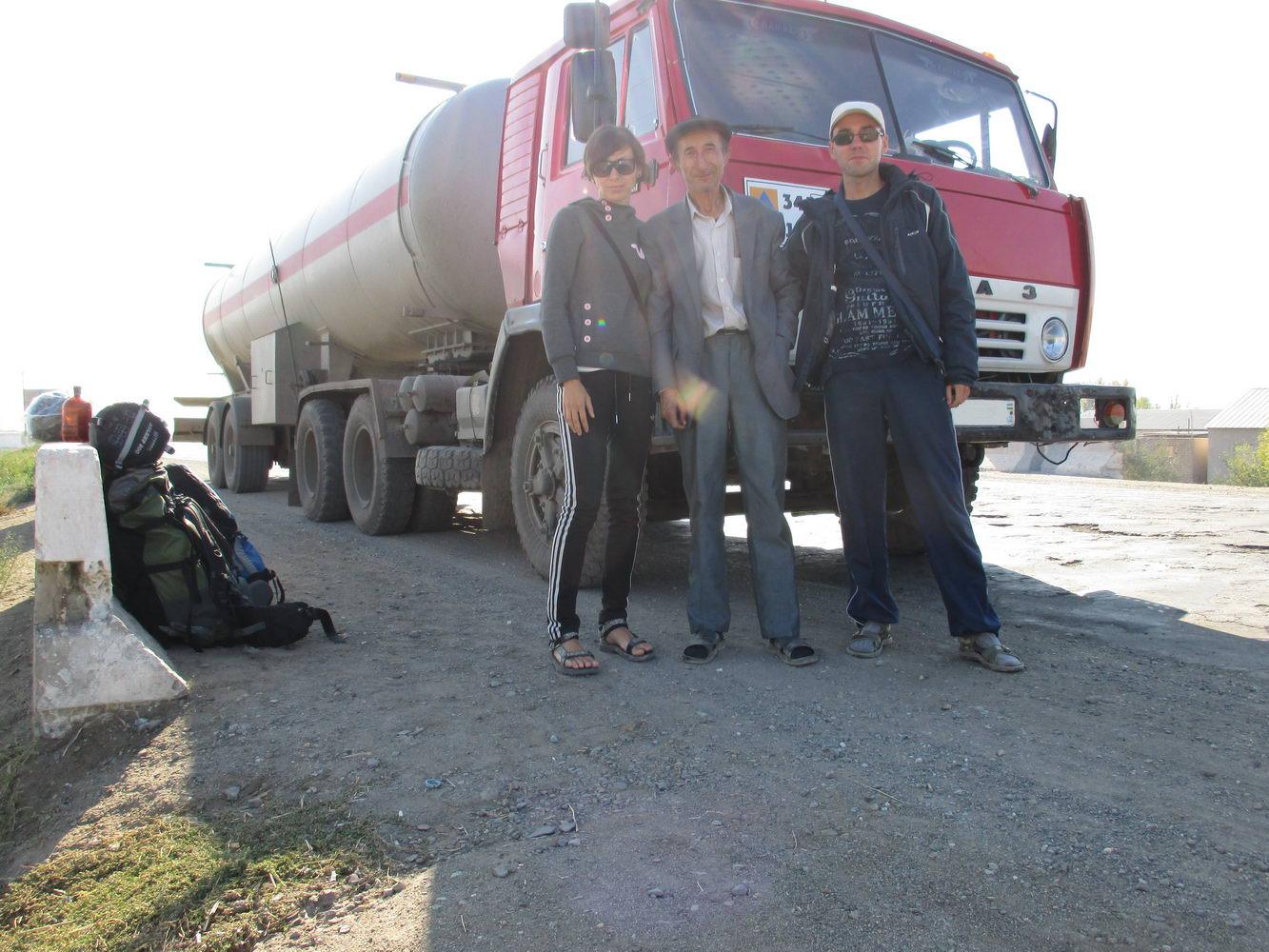 автостопом на бензовозе. путь из узбекистана в казахстан