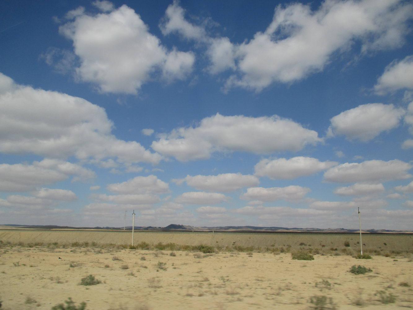 пустыня кызылкум. путь из узбекистана в казахстан автостопом