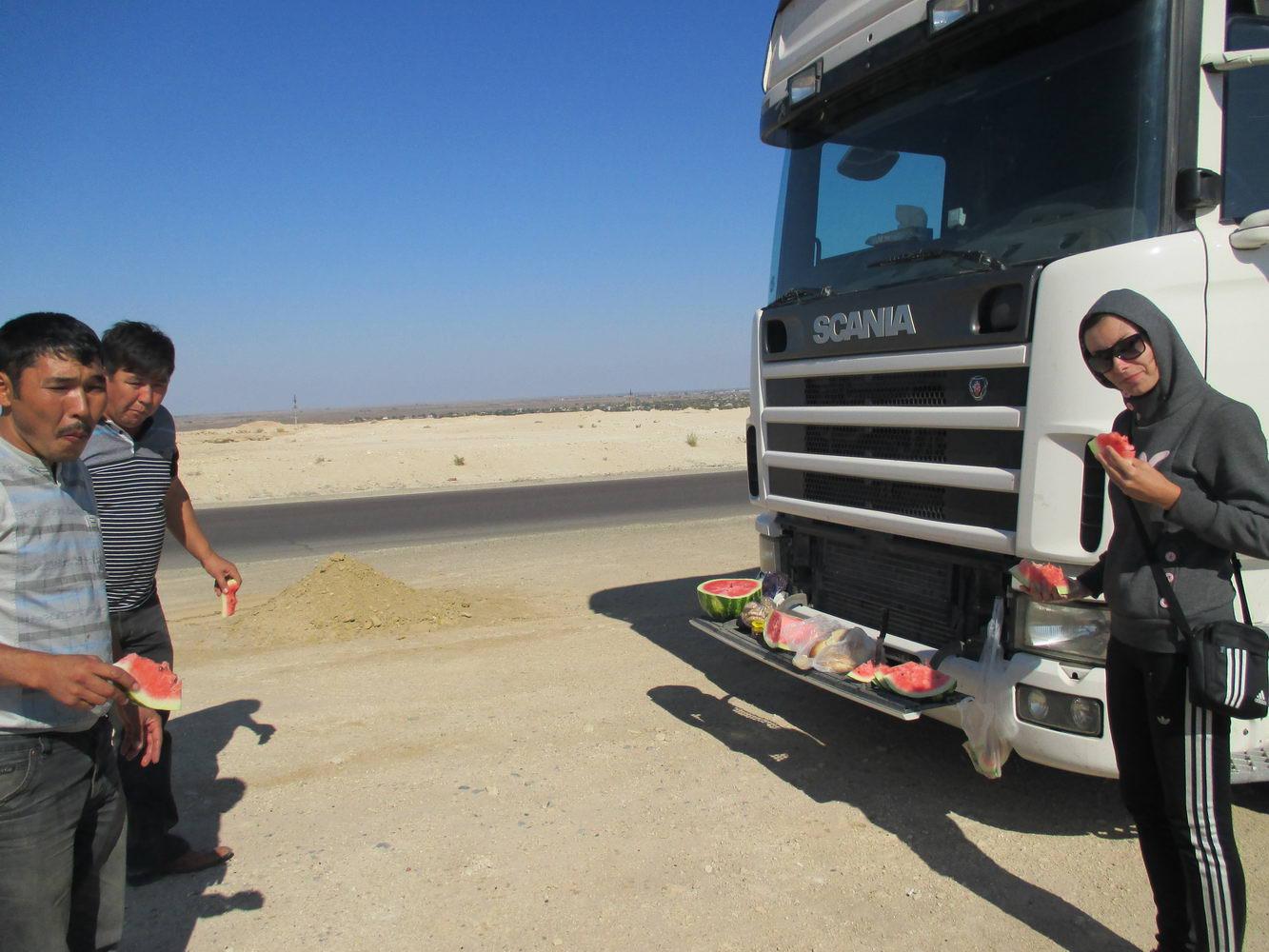 автостоп с казахами. пустыня кызылкум. путь из узбекистана в казахстан
