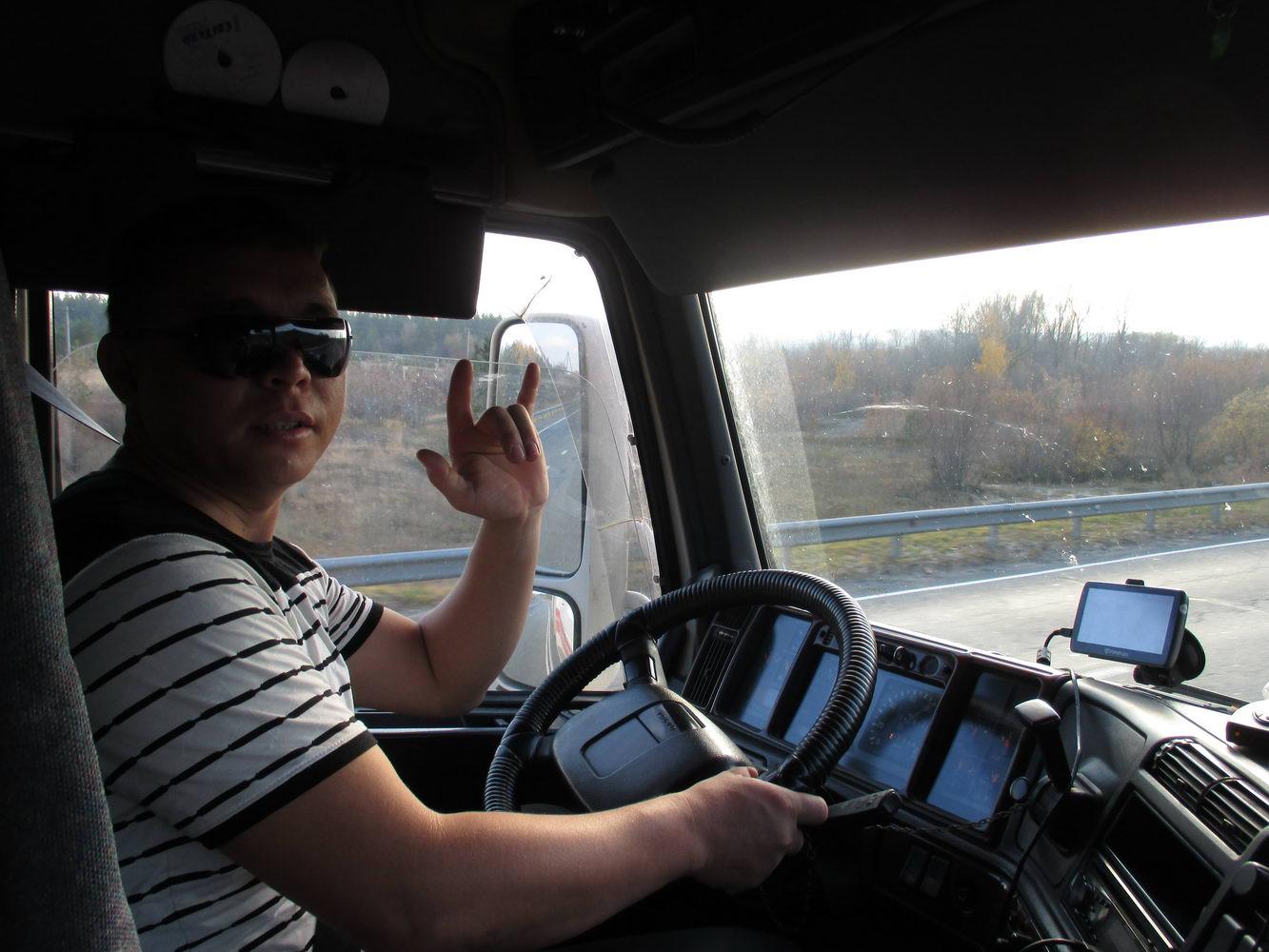 водитель узбекской фуры. автостопом в украину