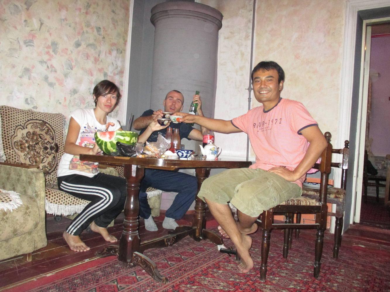 каучсёрфер камол и лечение. узбекистан самарканд
