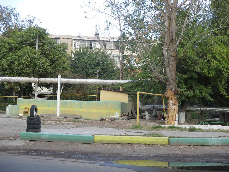 семья бомжей на помойке. узбекистан ташкент