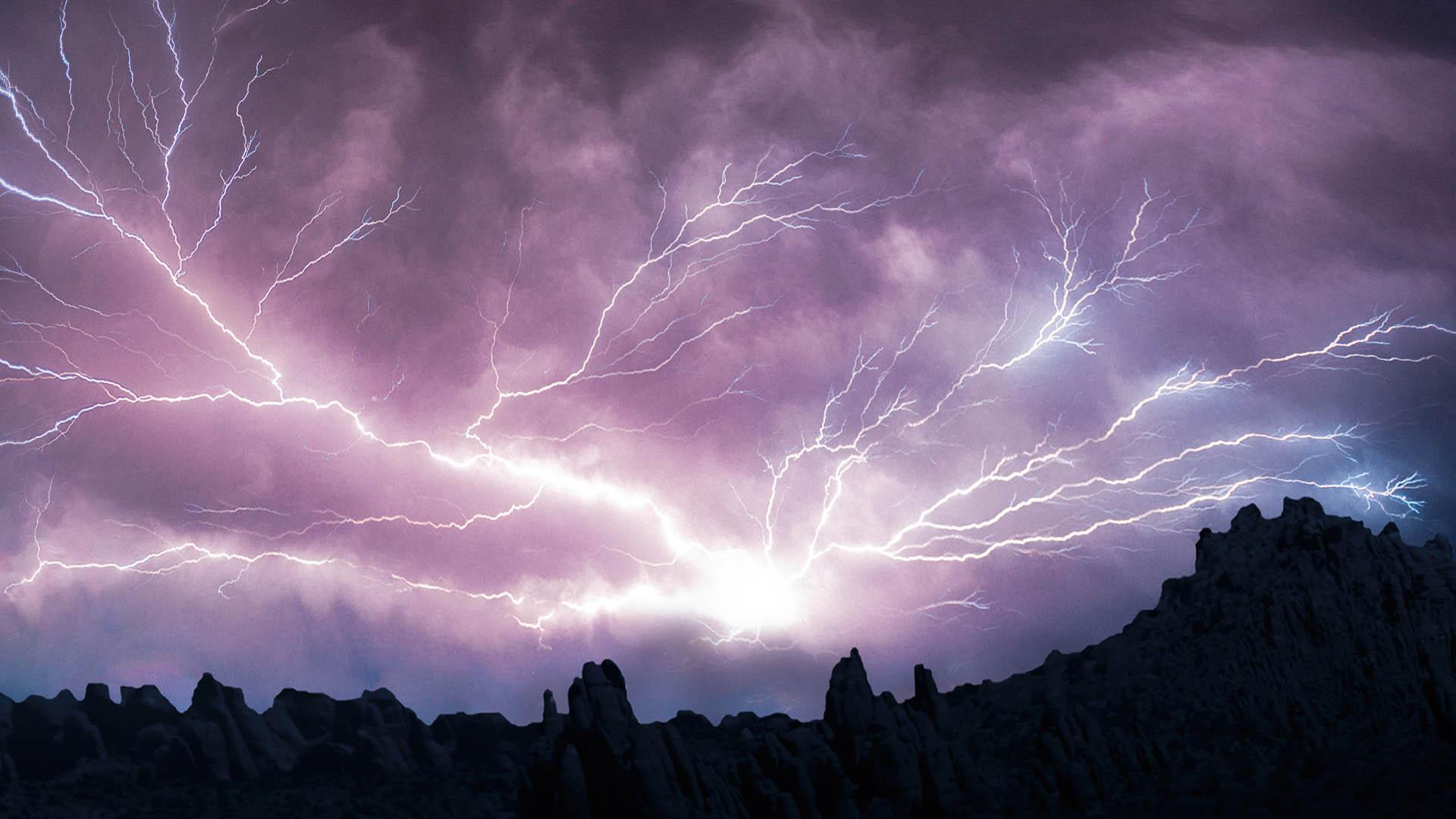 красивая молния. кто создал бога?